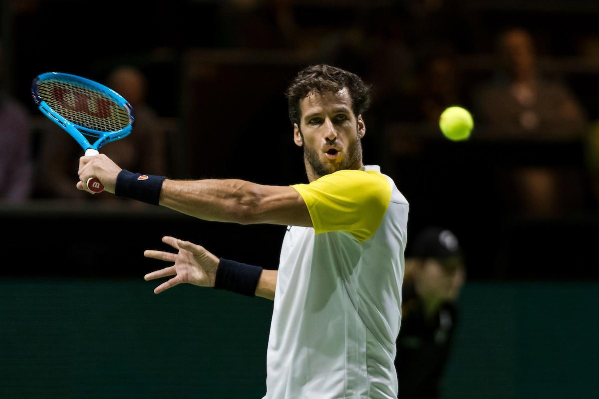 Feliciano Lopez first player to go to second round