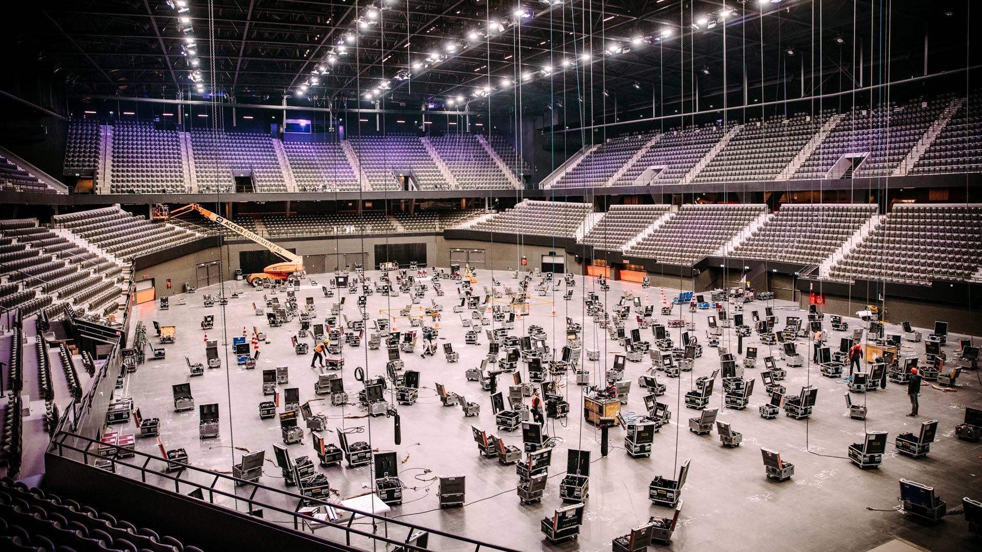 Opbouw Eurovisie Songfestival in Rotterdam Ahoy van start