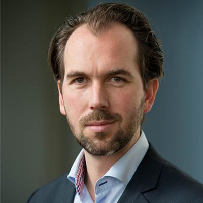 Arts en onderzoeker David van Bodegom opent VEG.