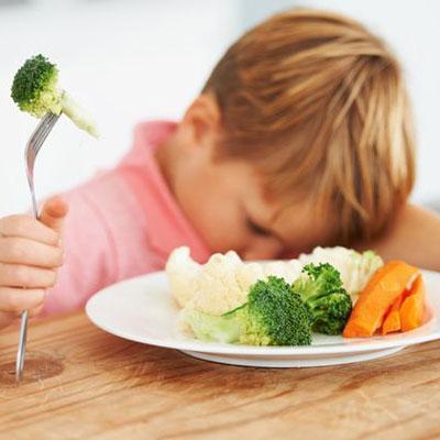 VEG. vindt: papa's en mama's eten zelf te weinig groente en fruit